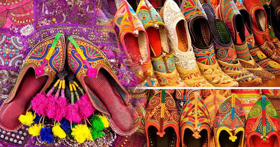 Colorful Mojaris in jaipur