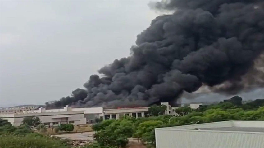 Eicher-motor-Jaipur-fire